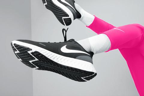ПРЕТСТАВУВАМЕ: Nike пролетни новитети за возрасни и деца